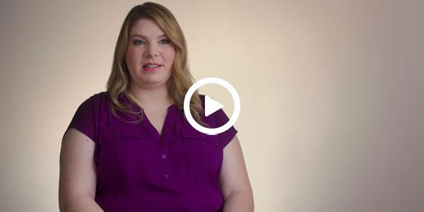 OneMain customer Liz, press to play video